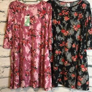 Honey & Lace 2 pack Brea dresses size Small